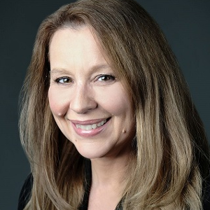 Lisa Gallagher 300 x 300.png